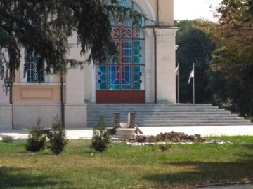 """Нова чешма изграждат пред храма """"Всех Святих"""""""