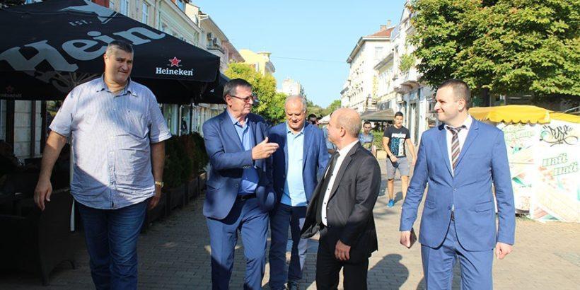 Президентът на Евроконфедерация по волейбол и вицепрезидент на Международната федерация посети Русе