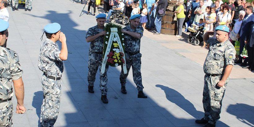 ден на независимостта празник русе поднасяне на цветя