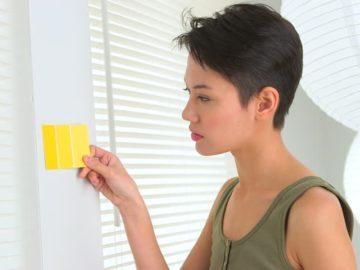 жена боядисване цвят