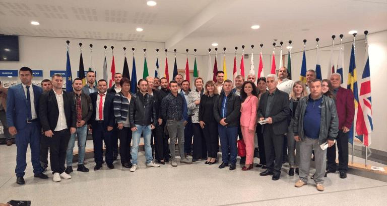 Евродепутатът Искра Михайлова посрещна в Европейския парламент активисти на ДПС от областите Русе и Разград