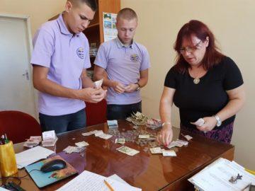 """С над 2000 лева СУПНЕ - Русе подкрепи инициативата """"Дарение вместо букет за първия учебен ден"""""""
