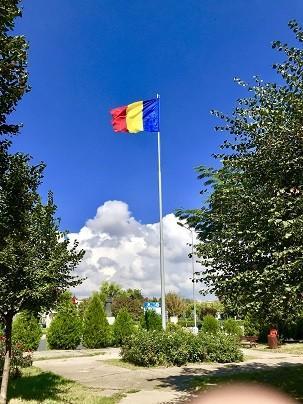 Четири 18 - метрови пилона с националното знаме монтираха в Гюргево