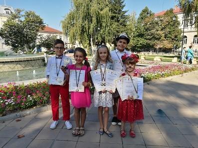 "Вокално студио ""Слънчеви ноти"" с награди от международен конкурс"