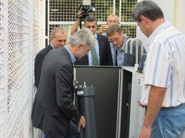 Министър Нено Димов в Русе: Днес пускаме апаратура, която за първи път се появява в България