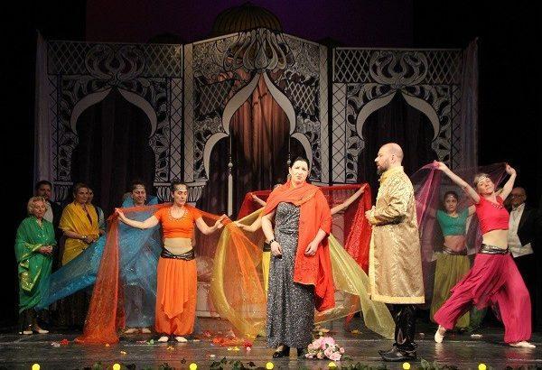 """Единствено театърът във Велико Търново представя оперетата """"Баядерка"""" в Русе"""