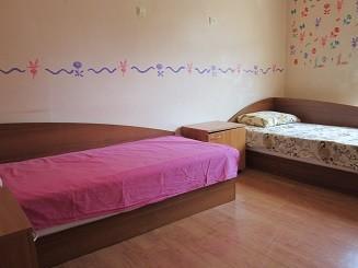 """Нови легла дарени за """"Розовата къща"""""""