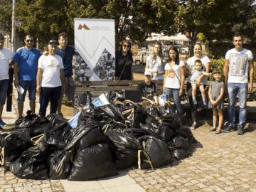 Монтюпе и ВК Дунав Русе почистиха Парка на възрожденците