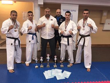 Русенци за втора поредна година станаха шампиони на България в състезанията по полицейска лична защита и карате за служители на МВР