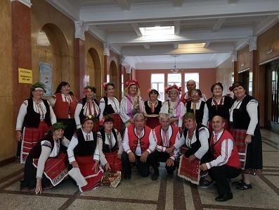 """Фолклорна група """"Здравец"""" при КПИ """"Здравец"""" с. Тръстеник отличник на """"Талантът възраст няма"""""""