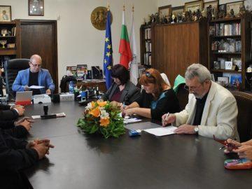 Днес беше подписан Общински колективен трудов договор за работещите в сферата на средното образование в Русе