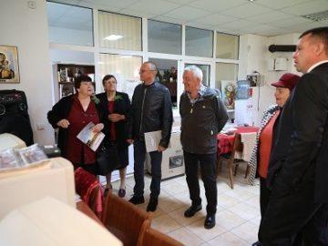 Пенсионерският клуб в село Тръстеник с нова музикална уредба благодарение на народния представител Пламен Нунев