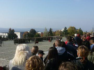 """Ученици от СУ """"Йордан Йовков"""" – Русе за първи път присъстваха на военна клетва"""