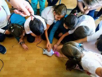 """Деца и ученици се включиха в Европейската седмица на програмирането в РБ """"Л. Каравелов"""""""