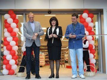 Народният представител Пламен Нунев присъства на откриването на нов магазин на РКС – Русе в село Басарбово