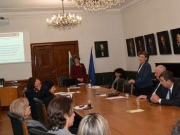 Ролята на академичните медии обсъждаха на кръгла маса в Русенския университет преподаватели, изследователи и журналисти