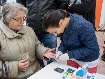 Кампания за измерване на нивото на кръвната захар се проведе днес на площада на Централния общински пазар в Русе