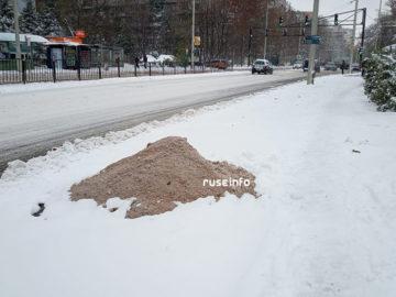 опесъчаване луга сняг улица