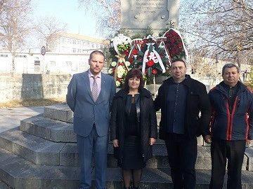 """От Ценово поднесоха венци за """"Отряда на обречените"""" край Брезник"""