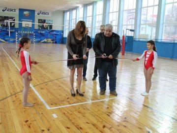 """В Спортен комплекс """"Ялта"""" се състоя официалното откриване на обновената спортна зала на Ученическата спортна школа"""