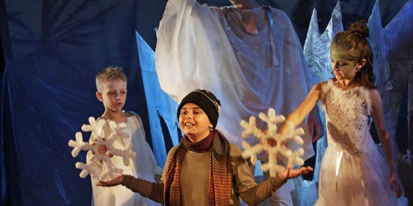 зимен сън куклен театър