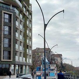 """Сложиха стълбовете на уличното осветление на бул. """"Придунавски"""""""