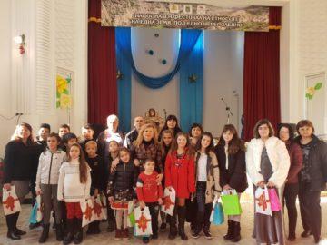 Народният представител Светлана Ангелова поздрави жителите на Батишница по повод Коледа и Нова година