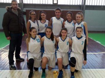 """Първо и второ място по баскетбол за отборите на ПГИУ """"Елиас Канети"""" – Русе"""