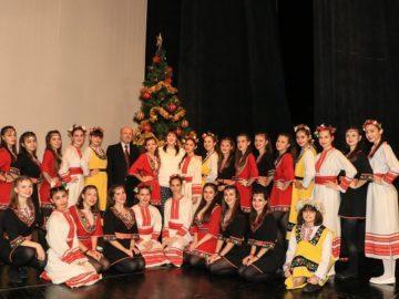 """Връчиха стипендии и награди на заслужили ученици и учители от МГ """"Баба Тонка""""- Русе"""