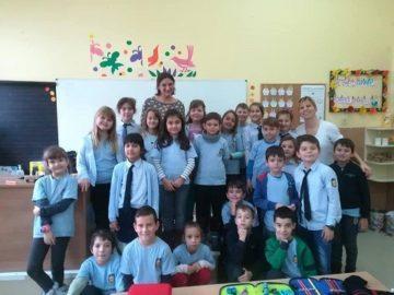 """Учениците от 2а клас на СУ """"Й. Йовков"""" - Русе се включиха в инициативата """" Игра на кодове"""""""