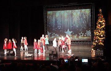 Общински младежки дом поздрави русенци с два празнични коледни концерта