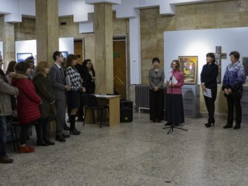 """Изложба на руски художници бе представена в зала """"Галерия"""" на РБ """"Л. Каравелов"""" - Русе"""