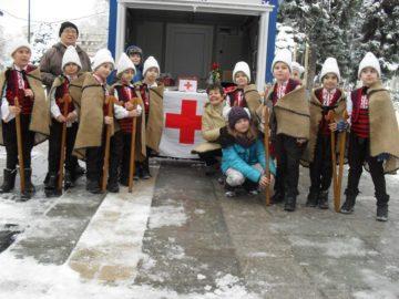 """Ученици от СУ """"Й. Йовков"""" се включиха в благотворителния базар на БЧК - Русе"""