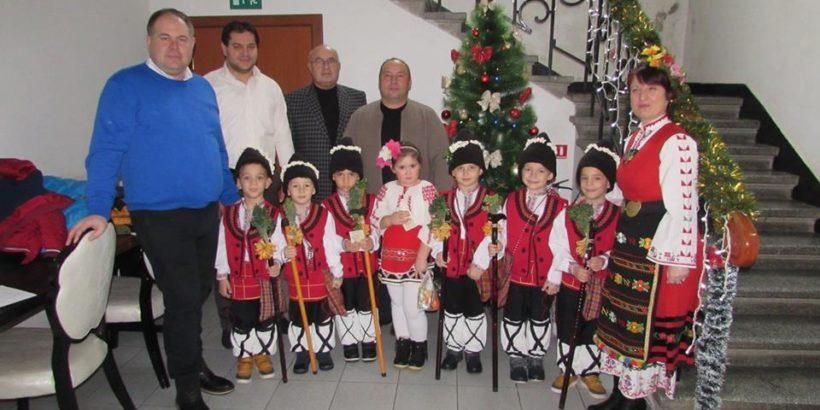 Коледарчета посетиха Община Сливо поле и Общински съвет - Сливо поле