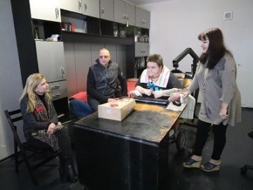 Народните представители Пламен Нунев и Светлана Ангелова се ангажираха с помощ за русенец в неравностойно положение