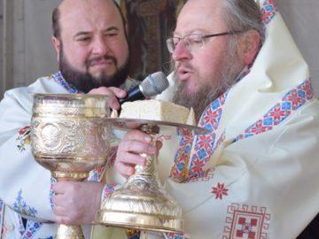 Русенският митрополит Наум гостува в Румъния навръх Андреевден