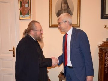 Генералният консул на Русия в Русе посети митрополит Наум