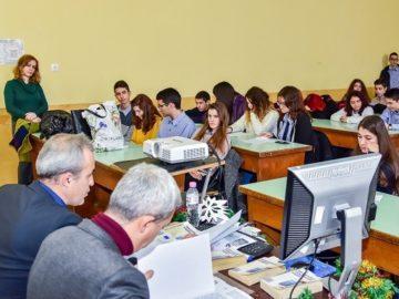 Съвместна лекция на съдия и прокурор пред ученици от Математическата гимназия