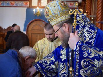 Русенският митрополит Наум отслужи днес литургия в Басарбовския манастир