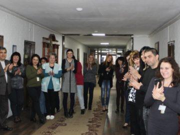 Коледари и сурвакари посетиха Областна администрация - Русе