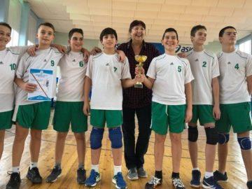 """Пореден успех на волейболистите на ОУ """"Любен Каравелов"""" – Русе"""