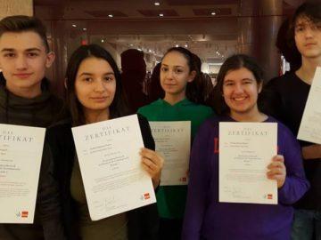 """Вече трета поредна година ученици от Дойче шуле участват в националното състезание по немски език на издателство """"КЛЕТ България"""""""
