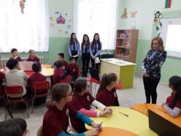 """Ученици от МГ """"Баба Тонка""""-Русе преподават уроци по толерантност"""