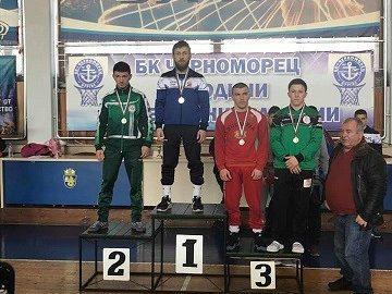 """Медали за състезателите на """"Лудогорска слава"""" - Глоджево от републиканско първенство за юноши в Бургас"""