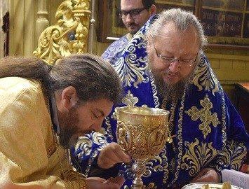 Русенският митрополит Наум води света литургия навръх Йордановден