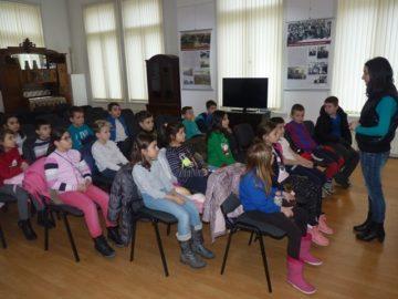 """Повече от 200 ученици се включиха в образователната програма на РИМ – Русе """"Русезнание"""""""