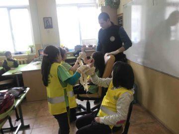 """Основни умения по първа долекарска помощ придобиха деца от ОУ """"Иван Вазов"""" - Русе"""