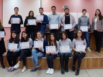 Участниците в деветото национално състезание по творческо писане на английски език получиха грамоти за участие