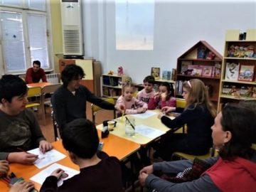 Деца и родители се запознаха с пътешественика - фотограф и изследовател Николай Ковачев
