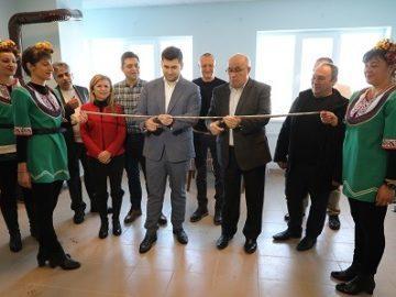 Евродепутатът Андрей Новаков участва в откриването на обновената поликлиника в Сливо поле